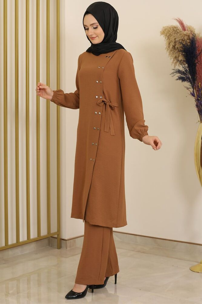 Çıtçıt Detay Pantolonlu Ayrobin Takım Taba - Fashion Showcase Design - FSC2095